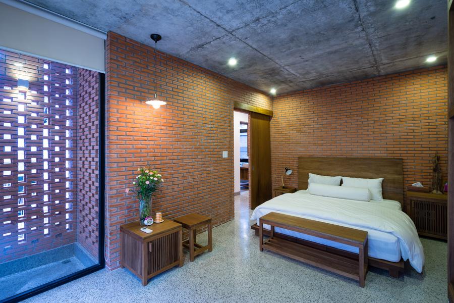 LIEM 12 1473912680 680x0 - Mảnh đất méo hoá ngôi nhà sang trọng trong hẻm Sài Gòn