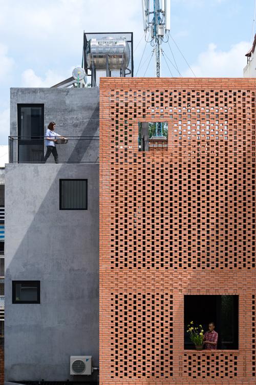 LIEM 2 1473912676 680x0 - Mảnh đất méo hoá ngôi nhà sang trọng trong hẻm Sài Gòn