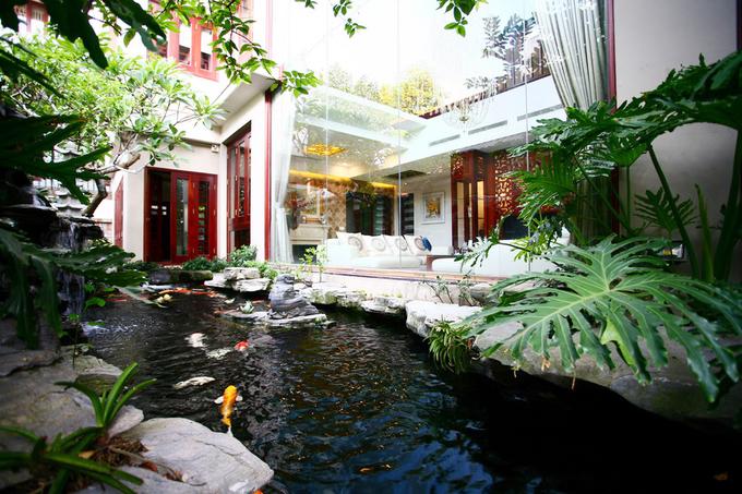 Biệt thự Hà Nội có bể bơi rộng trên sân thượng