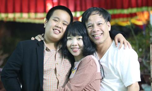 'Quy tắc bàn tay' của mẹ Đỗ Nhật Nam giúp con giỏi tiếng Anh