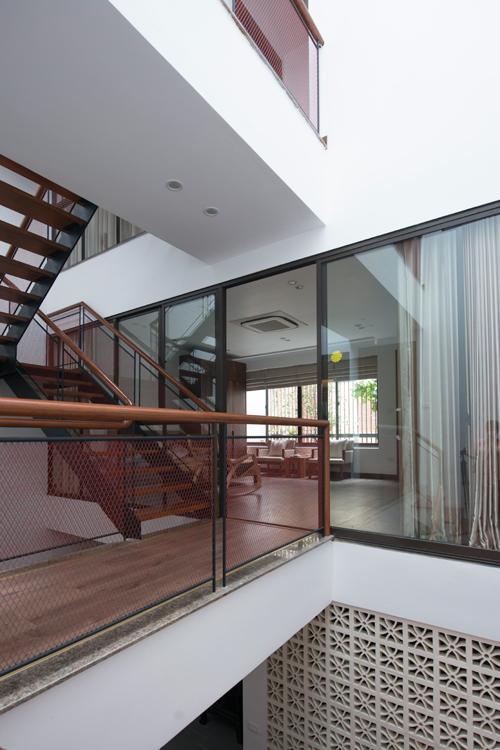05 1475035565 680x0 - Gia chủ Hà Nội đập nhà còn đẹp để nơi ở thêm nắng gió