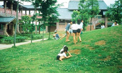 Tại sao trẻ Nhật được khuyến khích đi chân đất?