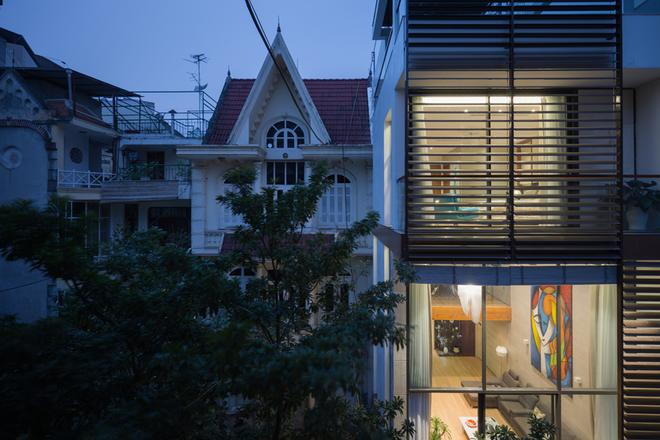 Nhà hướng Tây ở Hà Nội mát nhờ công nghệ hiện đại