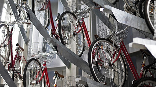 Người Nhật cất xe đạp xuống hầm sâu 12 mét như thế nào