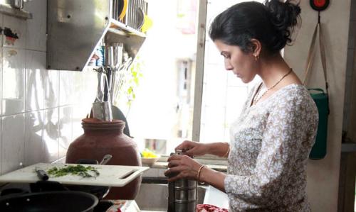 Những người vợ 'đeo gông' cuộc đời khi ở nhà chồng nuôi