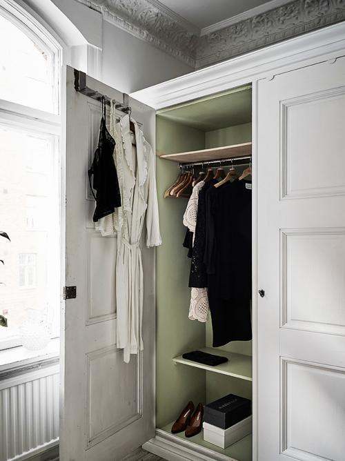 Căn hộ giấu phòng ngủ trong tủ đồ