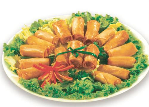 Hương vị, độ giòn tan và màu sắc hấp dẫn của các món ăn Việt Nam.