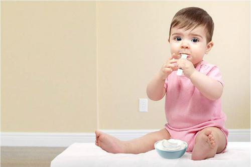 Vitamin D3 trong phô mai tươi cũng giúp quá trình chuyển hóa canxi từ thức ăn vào cơ thể. Ảnh: Momjunction