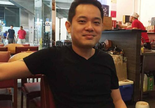 nho-vo-anh-chang-singapore-cung-dau-tro-thanh-ong-chu-quan-an-viet