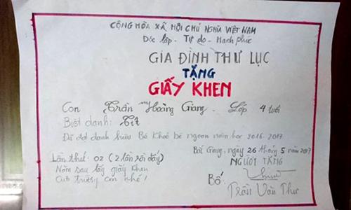 ong-bo-bac-giang-2-nam-tu-tao-giay-khen-cho-con