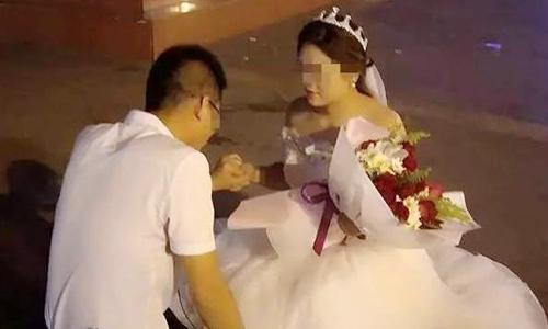 Điều bất ngờ sau sự từ chối của chàng trai khi bạn gái cầu hôn