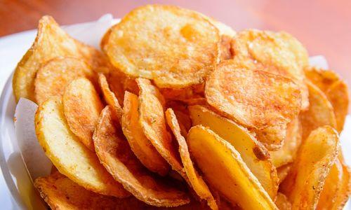 lam-snack-khoai-tay-bang-lo-vi-song