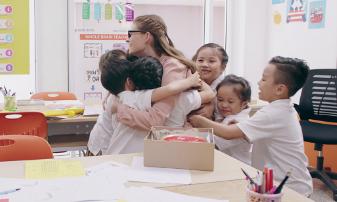Mẹ dạy con sống chậm để yêu thương nhiều hơn