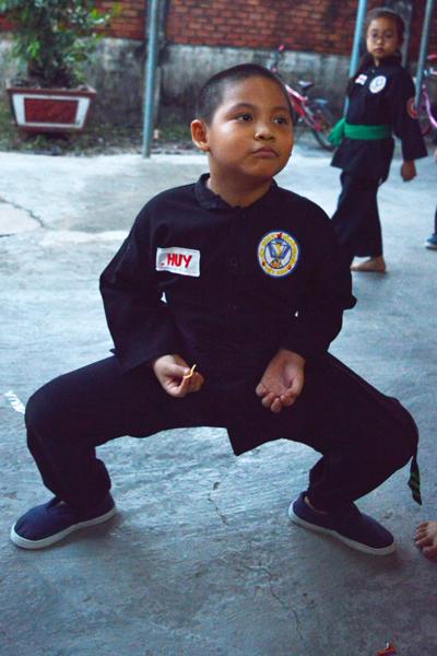 con-khoe-hon-nho-cham-tap-vo-3