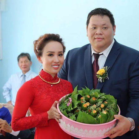 tinh-yeu-dua-lech-cua-co-gai-dong-nai-va-anh-viet-kieu-hon-100kg-1