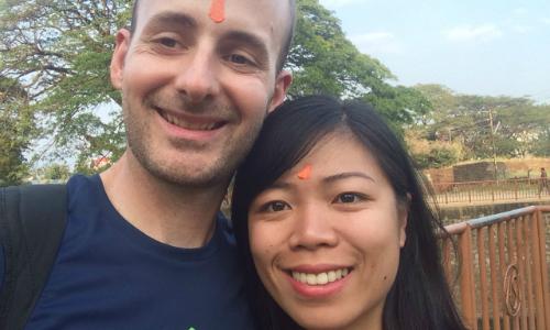 Cặp vợ chồng đạp xe từ Hungary về Việt Nam