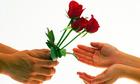 Gợi ý chọn quà tặng nàng ngày Phụ nữ Việt Nam