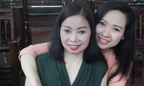 Con gái xứ Thanh đăng video tìm chồng cho mẹ