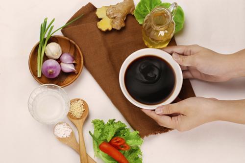 Nước chấm tuy là món phụ nhưng không thể nào thiếu đi trong các bữa ăn Hà Nội