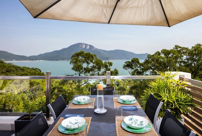 Ghét ở thành phố, cặp vợ chồng ra đảo ở Hong Kong thuê nhà