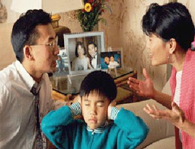 Ông bố Cần Thơ chợt nhận ra mình là 'cai ngục' khi con hay khóc