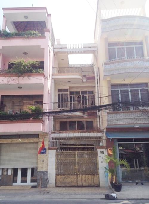 Ngôi nhà Sài Gòn như được may bằng các sợi chỉ trắng