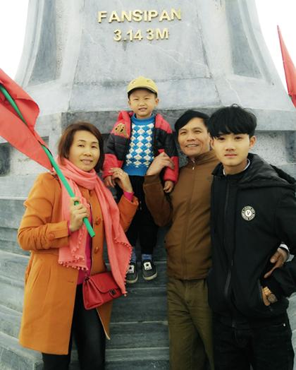 Sau khi chiến thắng ung thư, gia đình chị Toan thường xuyên đi chơi cùng nhau. Ảnh: NVCC.