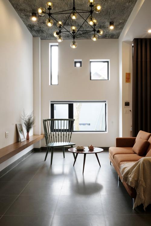 Ngôi nhà chi chít ô cửa sổ gây chú ý ở thành phố cao nguyên
