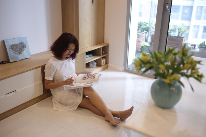 Căn hộ không có tivi của giám đốc Sài Gòn thích sống tối giản