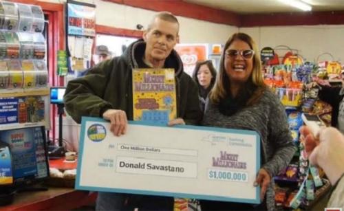 Anh Donald Louis Savastano mới nhận giải triệu đô tháng trước nhưng đã qua đời sau 3 tuần vì ung thư. Ảnh: Pulselive.