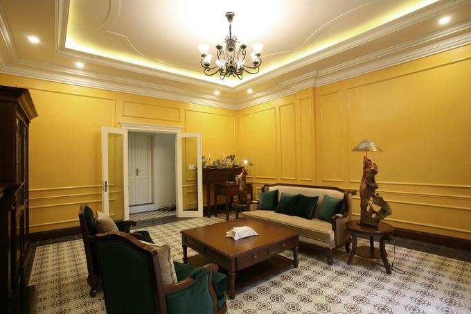 Căn hộ đậm chất Pháp cổ trong ngôi biệt thự cũ ở Hải Phòng