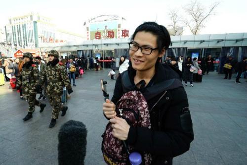 Anh chàng 27 tuổi Xu Weifan luôn bị hỏi về tình trạng công việc và hôn nhân mỗi lần về quê ăn Tết. Ảnh: ABC News.
