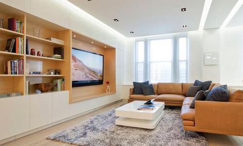 Sàn nhà có thảm màu sẫm, nội thất màu vừa phải và trần nhà nên sáng màu. Ảnh minh họa: Pinterest.