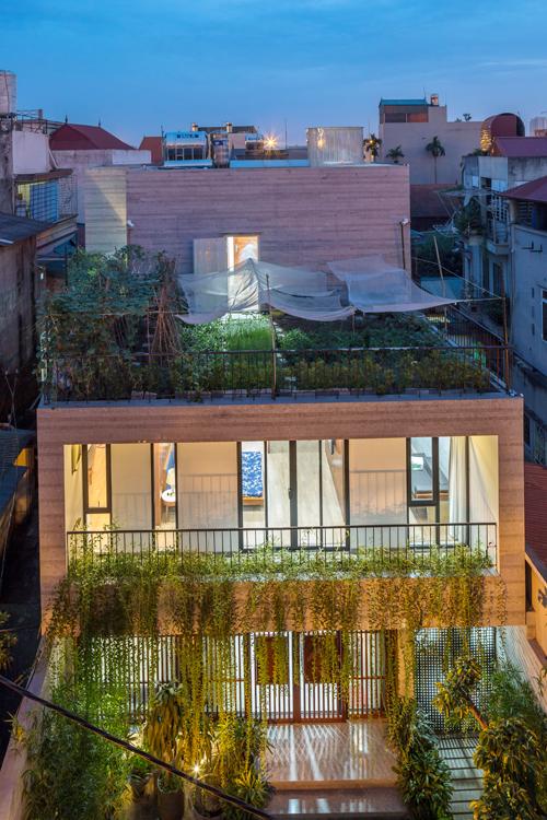 Hô biến mảnh đất trũng, méo ở Hà Nội thành biệt thự xanh mướt