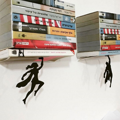 Ngăn để sách dành cho các fan của phim siêu nhân, anh hùng.