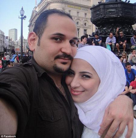 Anh Muhannad bị vợ nghi ngoại tình vì phát hiện những dấu hiệu lạ trên xe chồng.