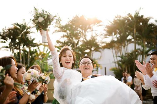 Cô gái Việt đam mê công việc và một lòng muốn về Việt Nam, nên đã có thời điểm chuyện tình yêu của họ tưởng như tan vỡ. Ảnh: NVCC.