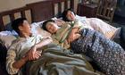 Uẩn ức của những nàng dâu phải chung phòng ngủ với mẹ chồng