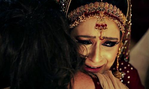 Nhiều cô gái ở Các tiểu vương quốc Ả Rập thống nhất cảm thấy mình như ký hợp đồng bán thân khikết hôn. Ảnh: Vimeo.