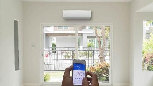 Dòng máy Connect và ứng dụng điều khiển bằng Wifi của Gree giúp tiết kiệm điện.