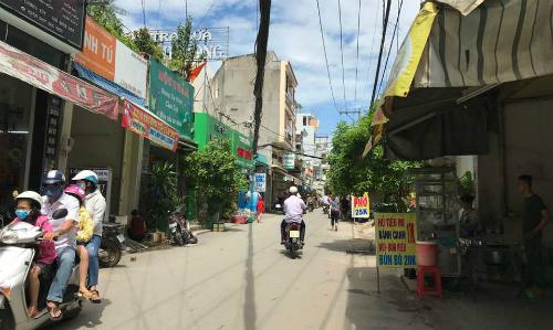 Một con hẻm trên đường Huỳnh Tấn Phát,quận 7, TP HCM - Ảnh: HA