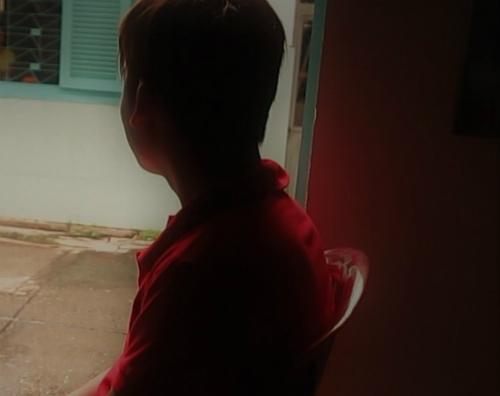 Anh Bình luôn cảm thấy có lỗi với bố mẹ, chị Thắm và chị Lan, vì đã làm mất niềm tin ở họ. Ảnh: P.T