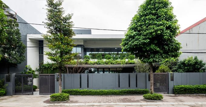 dong anh 1 1529634080 680x0 - Ngôi nhà vườn này như một công viên thu nhỏ với diện tích 450m2