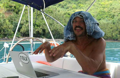Nhiều khi chúng tôi chẳng có quần áo sạch mà mặc, anh chàng Riley kể về cuộc sống trên tàu.Ảnh: Supplied.