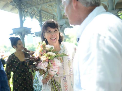 Chị Angela Sartin-Hartung tổ chức đám cưới lại với chồng minh hôm 16/6/2018. Ảnh:New York Daily News.