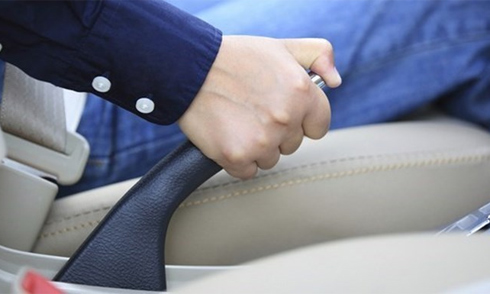 Nên cân nhắc kỹ trước khi muaôtô vì bạn có thể gánh thêm nhiều chi phí khi nuôi xe.
