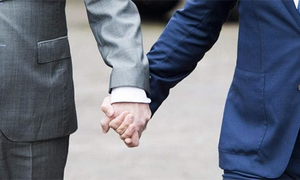 Tin nhắn bất ngờ của bà mẹ Nhật gửi con trai đồng tính