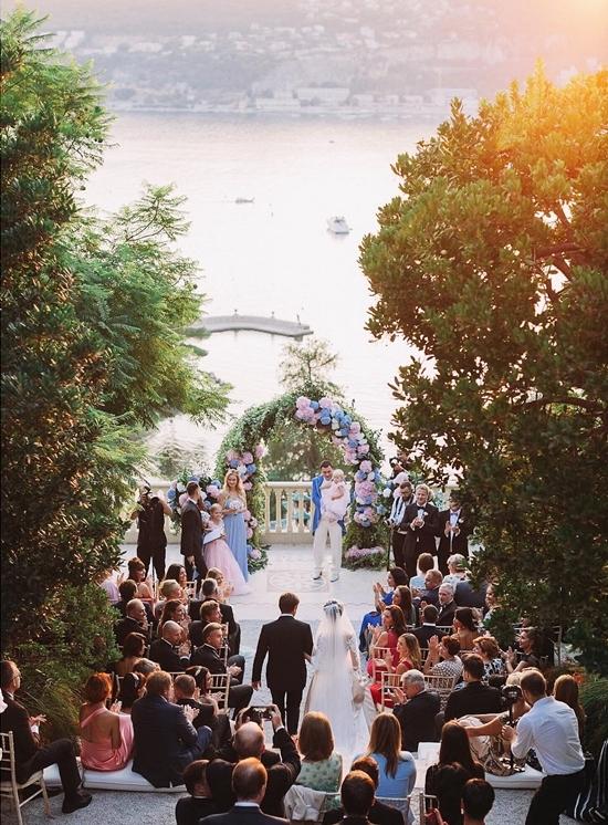 Không gian cưới đẹp như tranh vẽ dưới ống kính nhiếp ảnh Nga