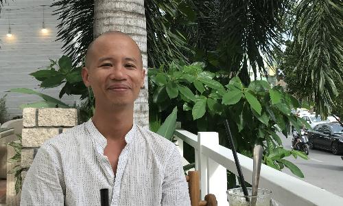 Từ ngày ra đảo sống (chiếm khoảng 70% thời gian), thỉnh thoảng Tú vẫn về lại TP HCM khi có các dự án làm phim - Ảnh:Kim Anh.