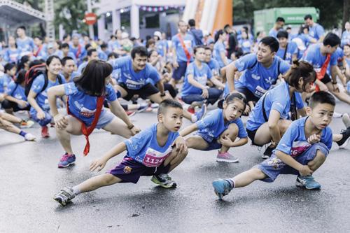 Vừa qua, bảo hiểm nhân thọ MB Ageas Life tổ chức chuỗi các sự kiện văn hóa - thể thao tại khu vực phố đi bộ (Hoàn Kiếm, Hà Nội) với thông điệp Cùng bạn dựng xây hạnh phúc.
